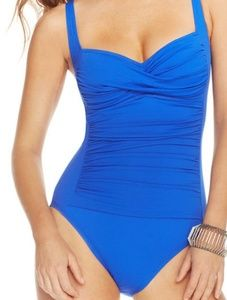 Gorgeous La Blanca Ruched Twist Front Swimsuit